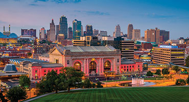 /uploadedImages/Destinations/MidWest/MISSOURI_KansasCity_Downtown_Skyline.jpg